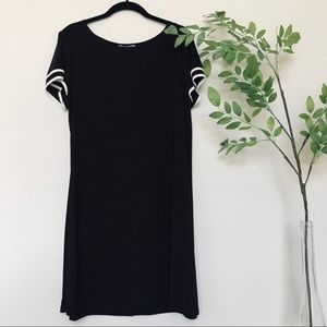 Annalee + Hope Black and White T Shirt Style Dress